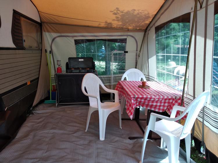Caravane-2-4-camping-drome-9
